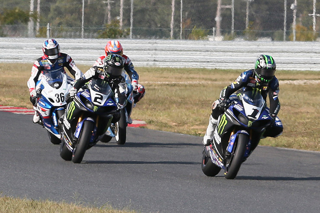 Josh Hayes leads the field in the second AMA Superbike race at New Jersey Motorsports Park. Image: Brian J Nelson/AMA Pro Racing.