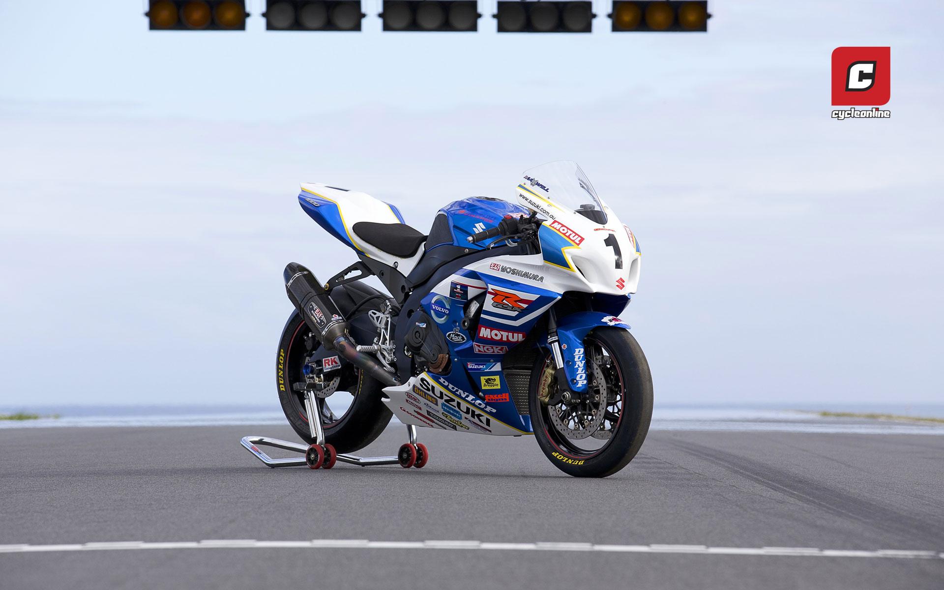 Wednesday Wallpaper: Team Suzuki GSX-R1000 - CycleOnline ...