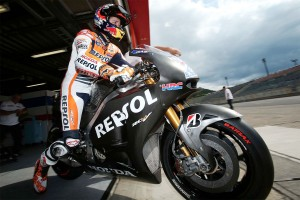 Factory HRC testing role unlikely for Stoner in 2014