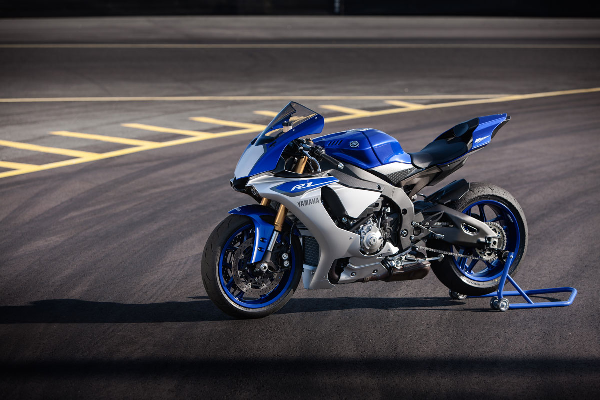 Review 2015 yamaha yzf r1 for Yamaha r1 deals
