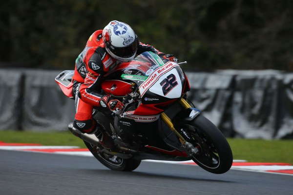 O'Halloran secures BSB front row at Oulton Park