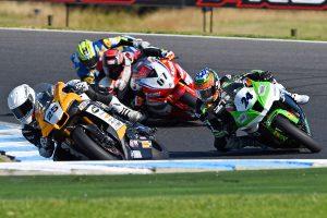 Racefeed: 2017 ASBK Rd2 Wakefield Park