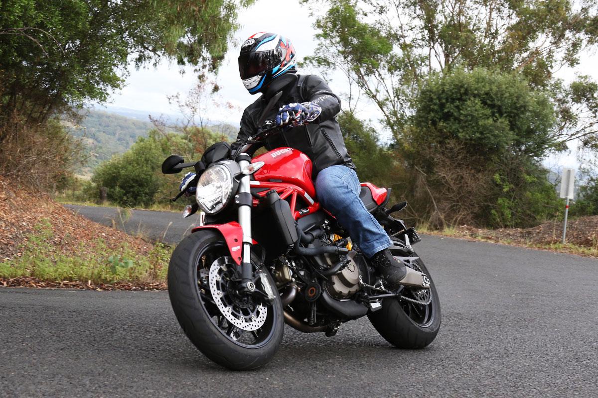 Review 2016 Ducati Monster 821