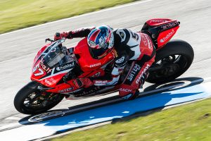 Jones turns difficult Donington Park weekend around