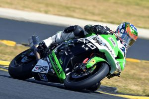 Kawasaki Ninja ZX-10R in the running for 2017 ASBK win following round six