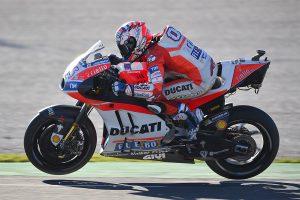 Late crash dashes Dovizioso's MotoGP championship hopes