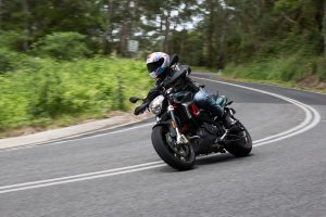 Review: 2017 Aprilia Shiver 900