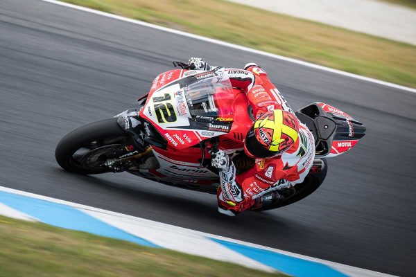 Fores edges ahead in final WorldSBK free practice