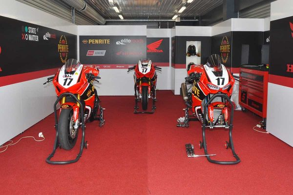 Wildcards Herfoss and Maxwell out of WorldSBK race two