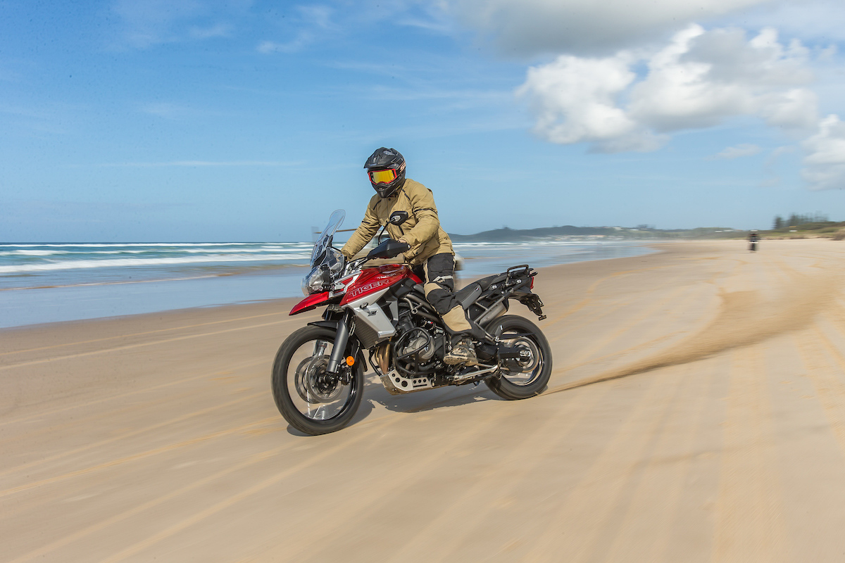 Brilliant Review 2018 Triumph Tiger 800 Range Cycleonline Com Au Onthecornerstone Fun Painted Chair Ideas Images Onthecornerstoneorg