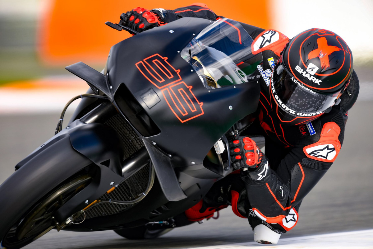 Lorenzo completes initial laps aboard RC213V in Repsol Honda debut - CycleOnline.com.au