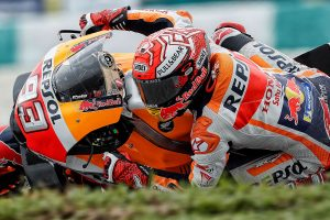 Milestone win in Malaysia for Marquez following Rossi crash
