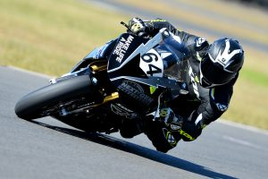 Maxima BMW drafts in Morris for Morgan Park ASBK
