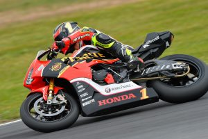 Heroic Winton ASBK podium for Penrite Honda Racing's Herfoss